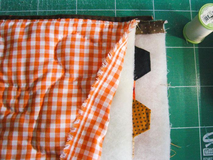 Recouper les côtés de la trousse - Trousse Halloween parfumdecouture.com