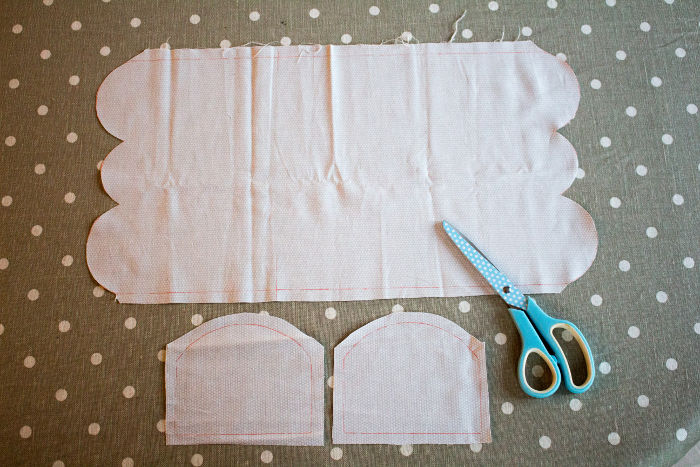 traçage des 3 morceaux de la house à mouchoirs