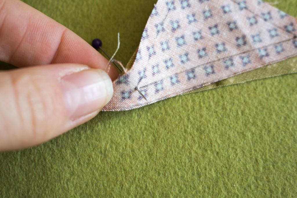 Positionnement des épingles aux angles - methode patchwork traditionnel parfumdecouture.com