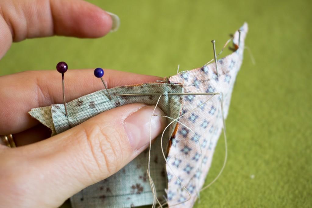 Poursuite de la couture, point arrière pour redémarrer - methode patchwork traditionnel parfumdecouture.com