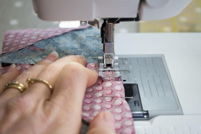 Totu couture de bloc à la chaîne machine - quilt pinwheel parfumdecouture.com