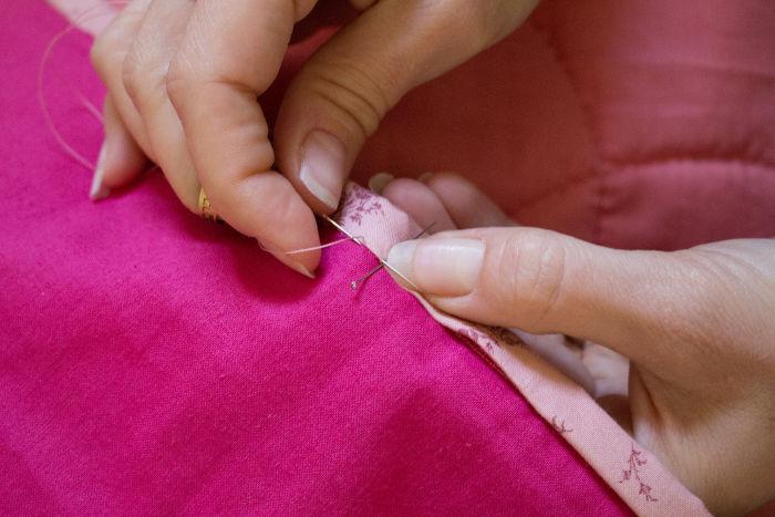 Tuto coudre un biais sur un quilt parfum de couture for Couture a 4 mains