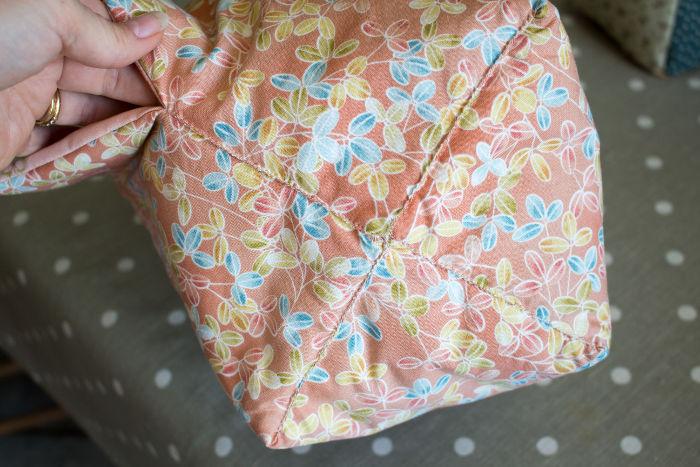 Résultat final quand les coutures sont terminées- diy sac 22 carrés parfumdecouture.com