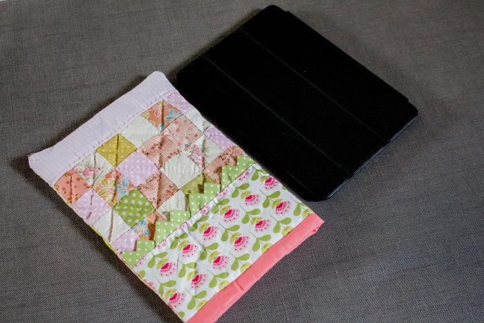 Housse d'Ipad terminée DIY - Scrap quilt housse d'ipad parfumdecouture.com
