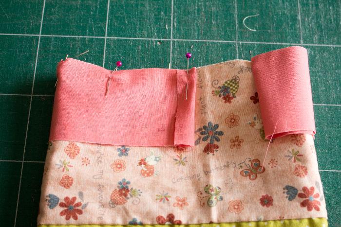 Couture du biais début - Scrap quilt housse d'ipad parfumdecouture.com