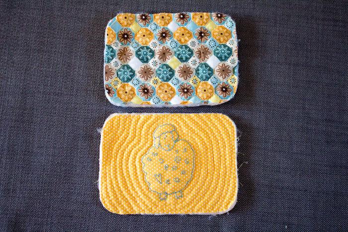 Quiltez l'arrière de la trousse - diy trousse tricoteuse gaston le mouton parfumdecouture.com