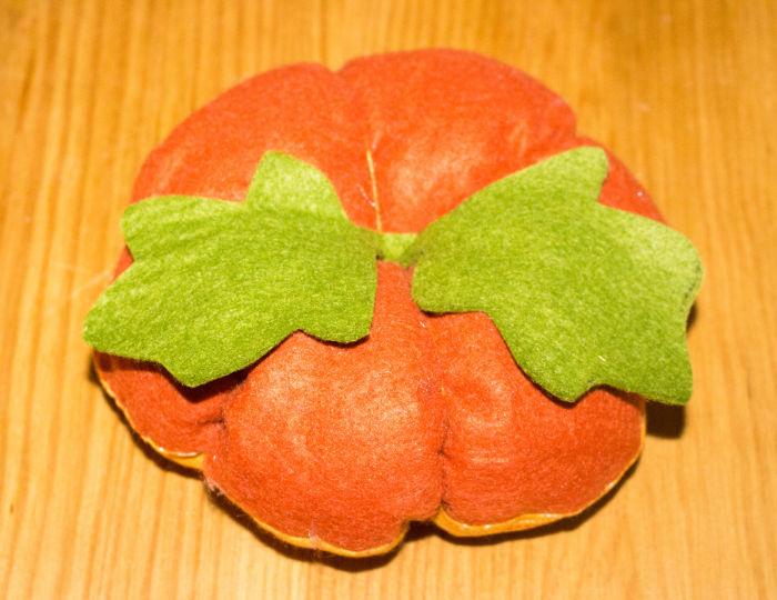 Coudre les feuilles - DIY Citrouille pique épingle parfumdecouture.com