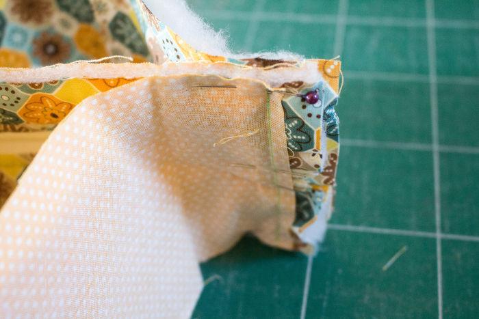 détail couture- diy trousse tricoteuse gaston le mouton parfumdecouture.com
