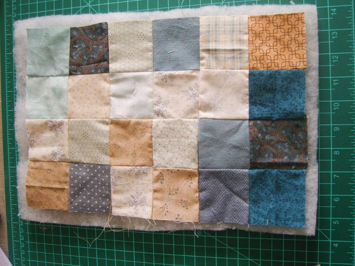 Quilting des côtés du sac petits carrés - DIY Sac motif petits carrés patchwork parfumdecouture.com