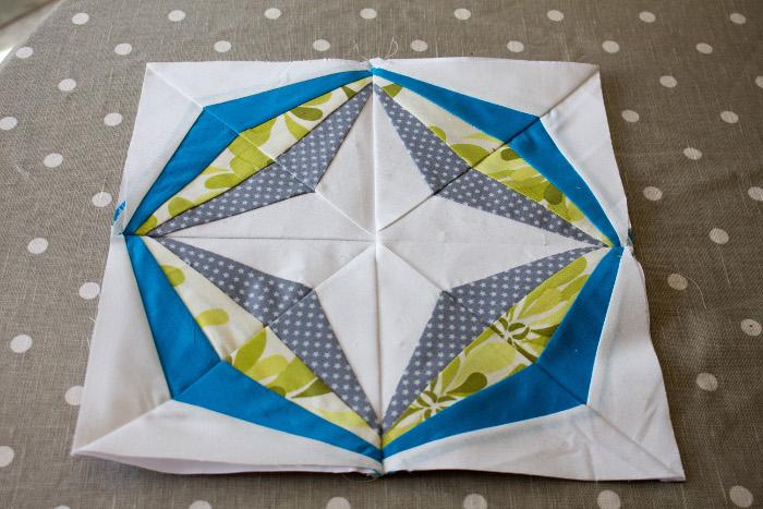 Résultat du bloc complet - Technique du paper piecing ou couture sur papier parfumdecouture.com
