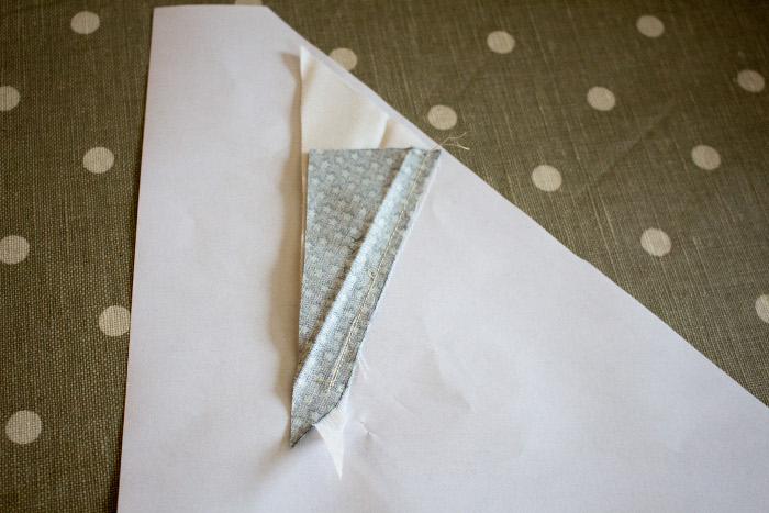 Couture à écraser - Technique du paper piecing ou couture sur papier parfumdecouture.com