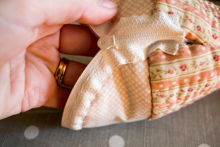 Résultat final fermeture éclair cousue - Trousse cupcake parfumdecouture.com