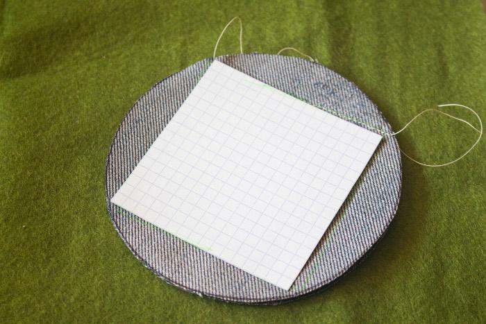 Découpe du patron du carré - mug rug pliage japonais parfumdecouture.com