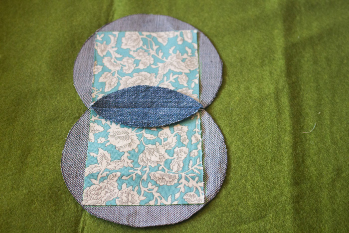 Positionnement des carrés à coudre - mug rug pliage japonais parfumdecouture.com