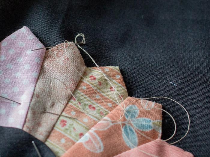 Coudre au point invisible l'appliqué- diy Dresden plate quilt parfumdecouture.com