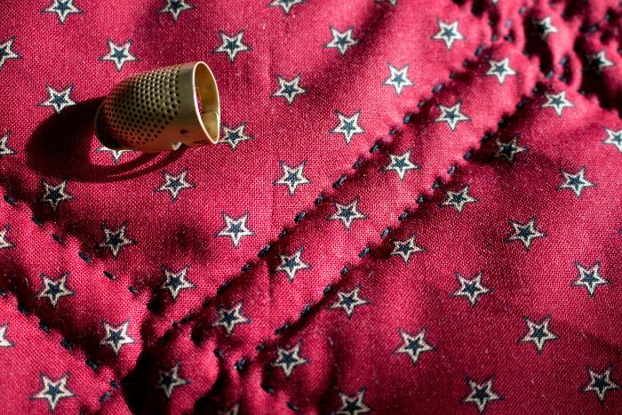 Détail quilting coton perlé - DIY comment réaliser des rug mugs parfumdecouture.com