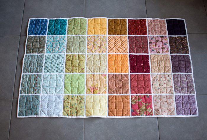 Verso du rainbow qilt terminé- DIY rainbow quilt réversible parfumdecouture.com