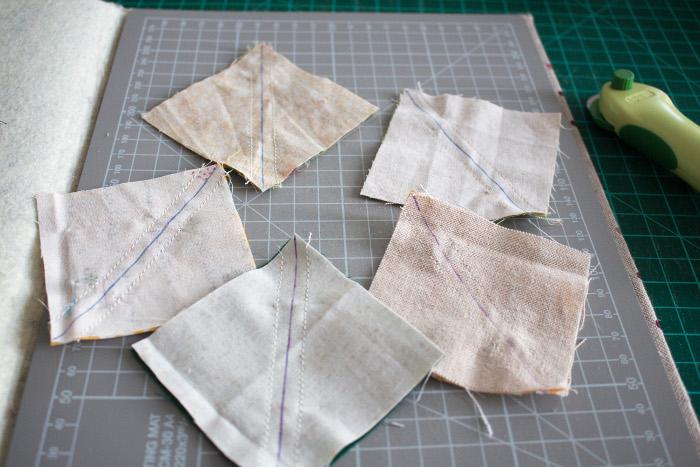 Découper les unités - Tuto comment faire un HST = carré composé de 2 triangles parfumdecouture.com