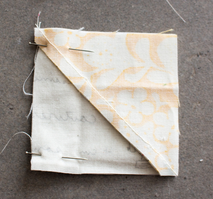 Détail pour assembler les carrés - tuto du bloc ananas parfumdecouture.com