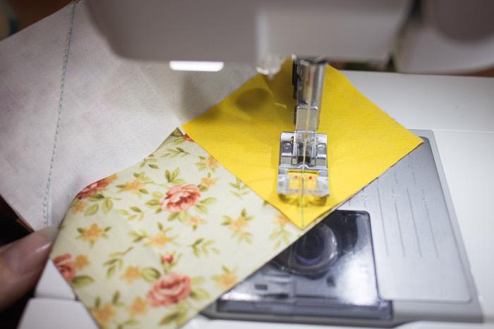 Couture en 1 fois des 3 carrés - DIY bloc fleur parfumdecouture.com