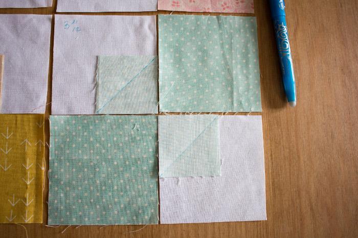 Gros plan sur les diagonales à coudre - DIY comment faire un bloc Bow Tie parfumdecouture.com