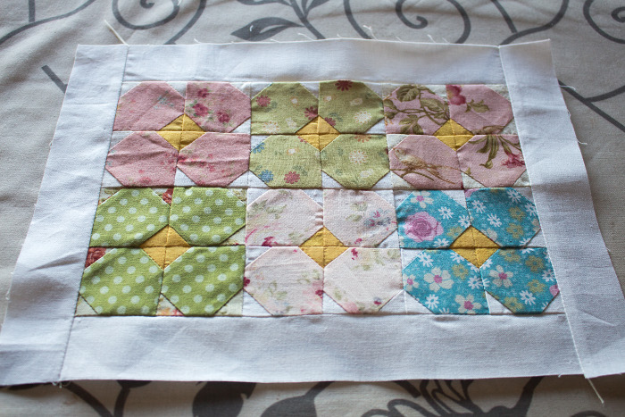 Mini quilt prêt à coudre - DIY sac de rentrée parfumdecouture.com