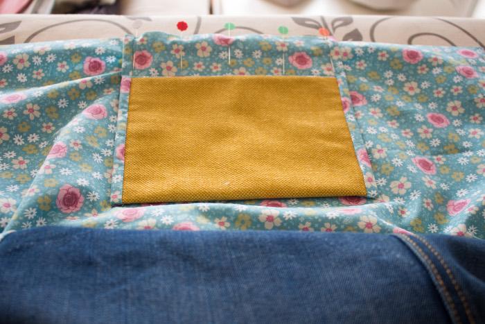 Couture de la poche sur la doublure - DIY sac de rentrée parfumdecouture.com