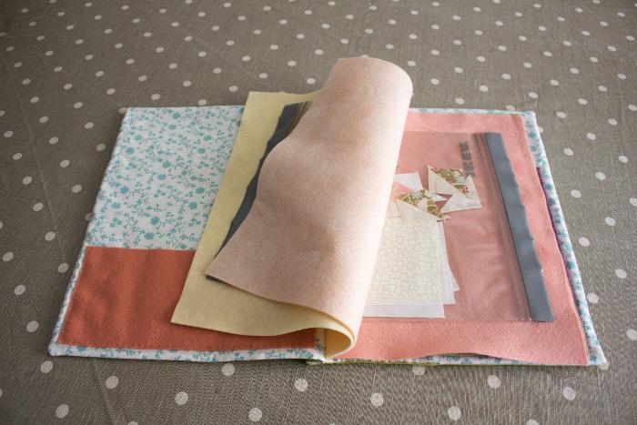 détail intérieur et pochettes - DIY cahier de composition parfumdecouture.com