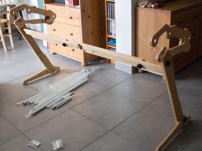 Assemblage des pieds et de la barre en bois centrale- Tuto monter un quilting frame EZ3 parfumdecouture.com