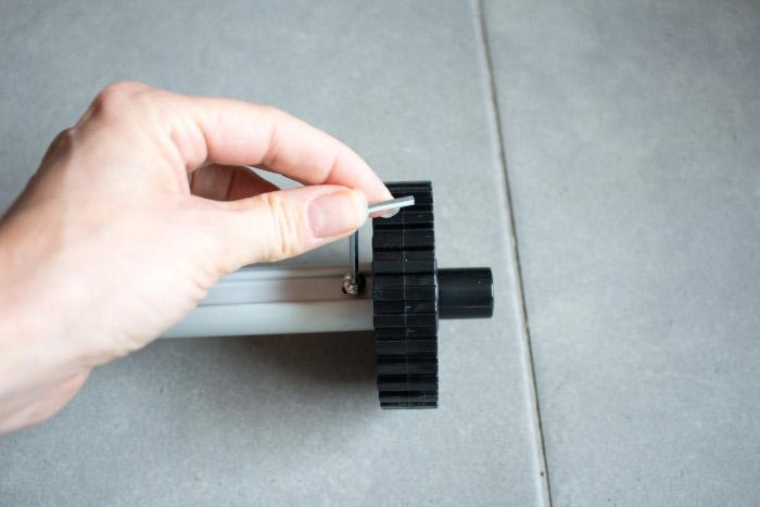 Serrage de la roue dentée - Tuto monter un quilting frame EZ3 parfumdecouture.com